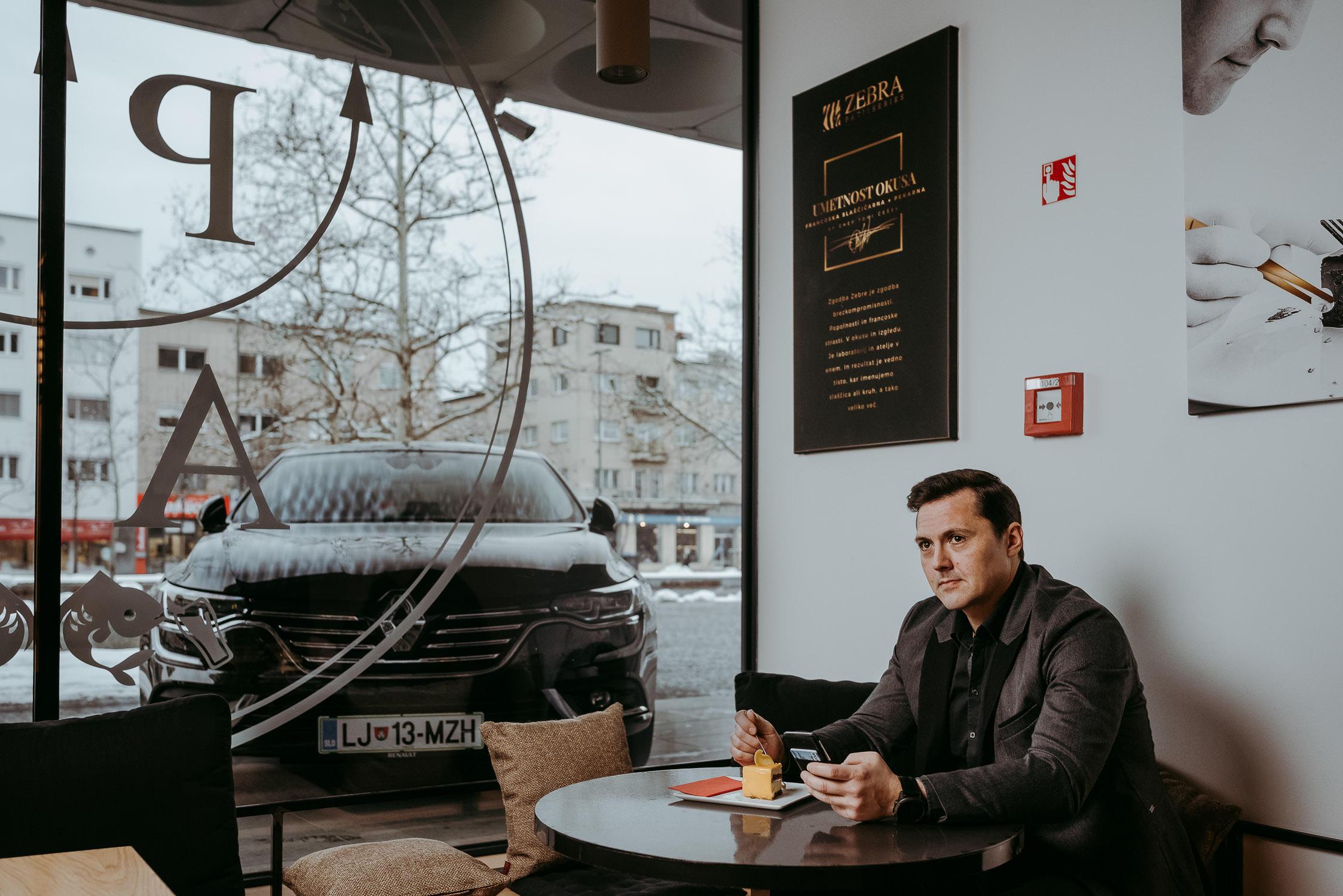 20180222 Tomi Češek Zebra Patisseries Renault Talisman City Magazine TK 17