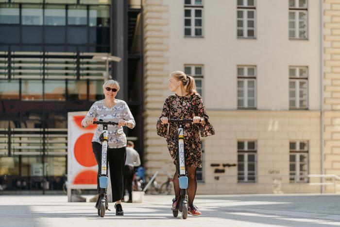 FLOX skiroji scooter komercialni fotograf ljubljana slovenija elektricni skiro 27