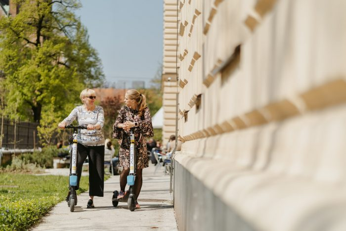 FLOX skiroji scooter komercialni fotograf ljubljana slovenija elektricni skiro 30