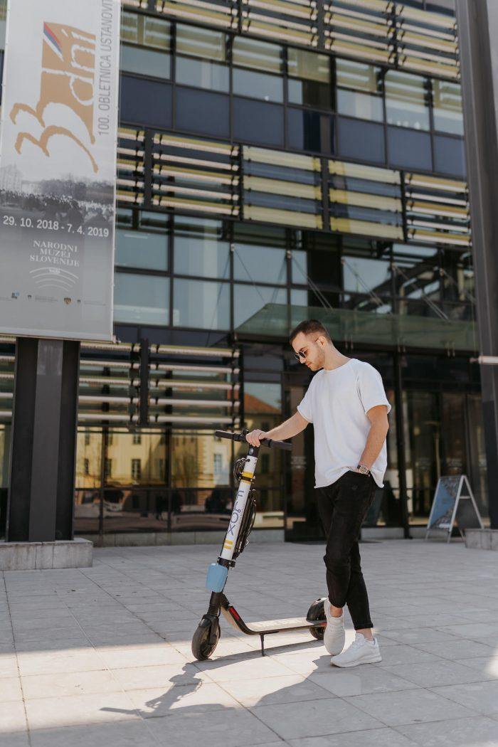 FLOX skiroji scooter komercialni fotograf ljubljana slovenija elektricni skiro 9